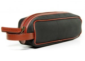 travel bag - Christmas gift guide